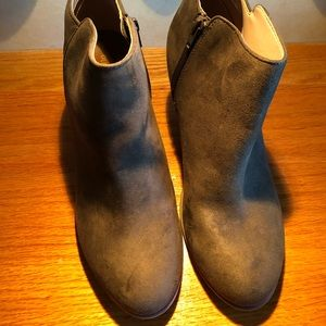 Old Navy Women's Army Green Boots Size 10